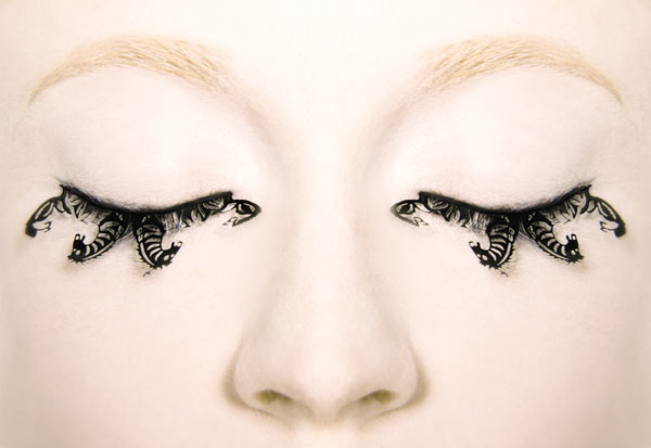 false eyelashes how to. paper false eyelashes!
